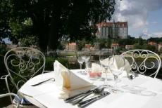 Ganz bequem auf der Terrasse speisen. Quelle: Wellness in Meißen - beauty24 GmbH