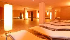 Im großen Ruheraum entspannen & träumen. Quelle: Wellness vor den Toren Frankfurts - beauty24 GmbH