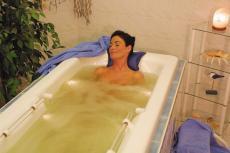 Bei einem wohltuendem Thalassobad relaxen. Quelle: Wellness & Spa in Oberstaufen - beauty24 GmbH