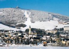 Wintertraum am Fichtelberg. Quelle: Wohlfühlhotel in Oberwiesenthal, Erzgebirge - beauty24 GmbH