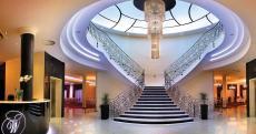 Der wunderschöne Eingangsbereich des Hotels. Quelle: Wellness in Lubniewice, Lebuser Seenlandschaft - beauty24 GmbH