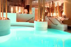 Im exquisiten 4-Sterne-Superior Ambiente mit der besten Freundin relaxen. Quelle: Resort & Wellnesshotel in der Oberpfalz.