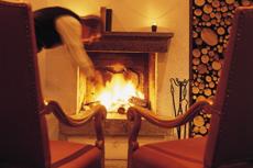 Der perfekte Platz für einen kuscheligen Silvester Wellnessurlaub in den Bergen. Quelle: Wellness Resort in Bad Kohlgrub - beauty24 GmbH