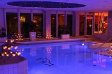 1.800 Quadratmeter Wellness Freuden, die Sie rundum begeistern werden. Quelle: Wellnesshotel in Rostock - beauty24 GmbH