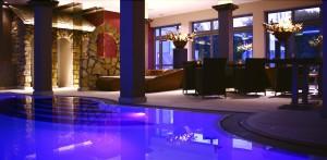 Luxuriös und elegant - im Pool relaxen; Quelle: Wohlfühlhotel bei Ingolstadt - beauty24 GmbH