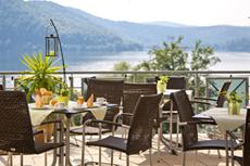Entlang des Habichtswaldweges wandern und danach am wundervollen Edersee entspannen. Quelle: Wellnesshotel am Edersee - beauty24 GmbH