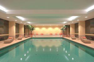 Am Pool relaxen Quelle: Wohlf�hlhotel Bad Steben / Franken - beauty24 GmbH