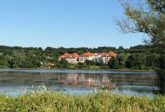 Am Wiesensee kann man seit Neustem auch Holunder-Wellness genießen. Quelle: Wellnesshotel am Wiesensee.