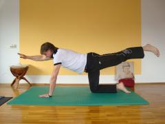 Yoga unter Anleitung. Quelle: Wohlf�hlhotel bei Schmalkalden / Th�ringer Wald ? beauty24 GmbH