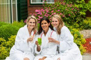 Endlich wieder mal mit den Mädels entspannen! Quelle: Wellness in Kiel - beauty24 GmbH