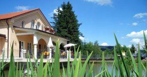 Hier verbringen Sie das verlängerte Wellness Wochenende. Quelle: Wellness-Hotel im Bayerischen Wald bei Passau - beauty24 GmbH