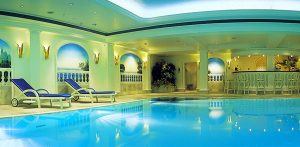 Entspannung pur im Pool! Quelle: Sport- und Wellness-Hotel Bad Lauterberg / Harz - beauty24 GmbH