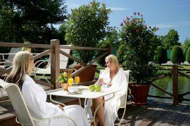 Genießen Sie das wundervolle Wetter auf der Sonnenterrasse. Bildhinweis: © Wellnesshotel in Halle / Westfalen;beauty24 GmbH