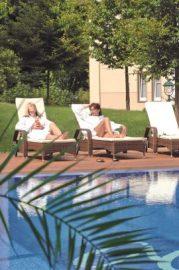 Genießen Sie die Sonnenstrahlen am Außenpool; Bildhinweis: © Beauty und Wellness in Bansin / Usedom; beauty24 GmbH
