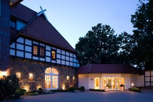 Das Hotel und sein Team freuen sich auf Sie! Quelle: Erholung vor den Toren Osnabrücks - beauty24 GmbH