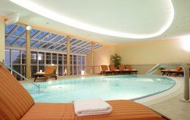 Ob Sonnenschein oder regen, im poolbereich können Sie zu jeder Jahreszeit relaxen; Bildhinweis: © Wohlfühlhotel in Sellin / Rügen; beauty24 GmbH