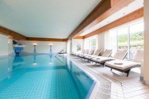 Schwimmbad-Liegen vom Wellness & Spa in Oberstaufen (Quelle: Bildhinweis: © beauty24 GmbH)