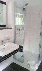 Modern und stilvoll eingerichteten Zimmer; Quelle: Kleines Hideaway bei Brandenburg - beauty24 GmbH